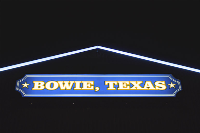 Recargando combustible en Bowie, TX
